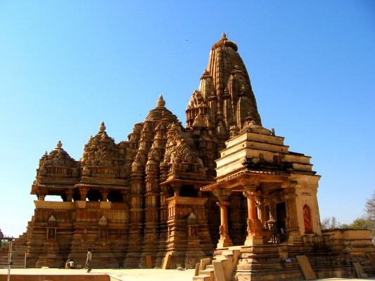 Khajuraho-Group-of-Monuments-represent-the-collection-of-Hindu-temples-and-Jain-temples-located-in-Madhya-Pradesh.