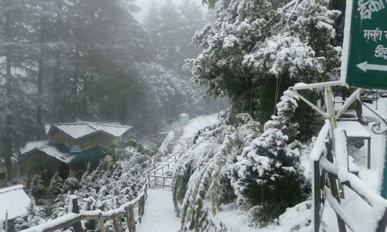 Mussoorie-with-snow